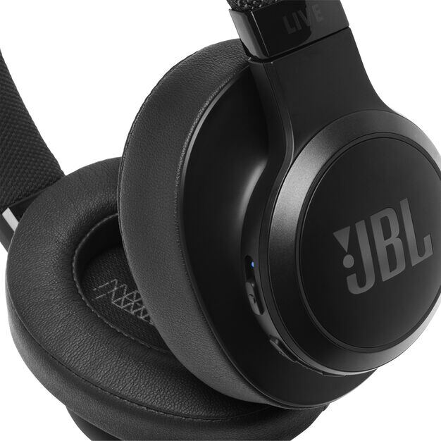 JBL LIVE 500BT - Black - Your Sound, Unplugged - Detailshot 3